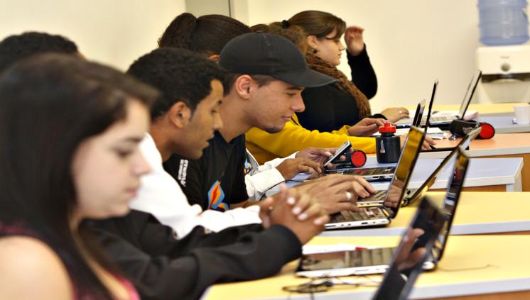 Oportunidade de Estágio remunerado para alunos de Ciência da Computação